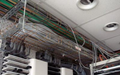 Особенности монтажа электрического оборудования: порядок, требования, страхование работ