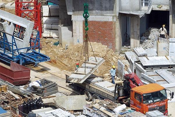 застраховать строительство